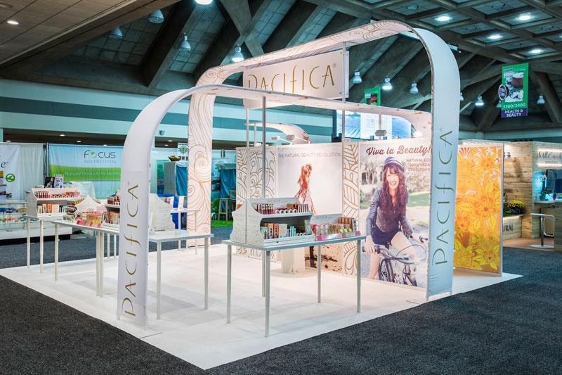Custom Trade Show Displays   Hybrid Island With Fabric Arches