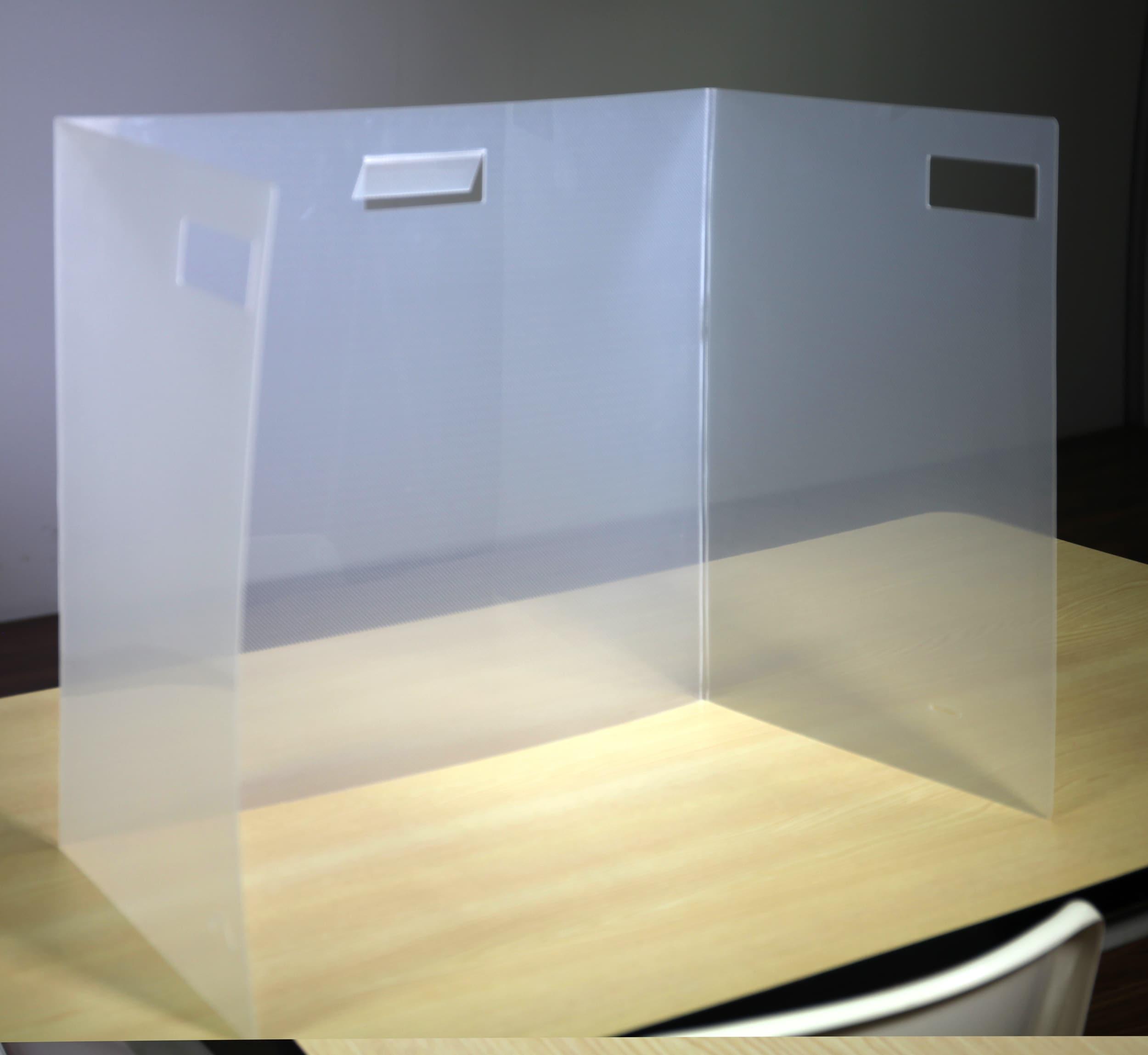 school desktop classroom dividing walls sneeze guard acrylic barrie coronavirus covid-19 disease prevention